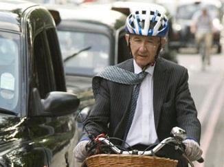 На велосипеде для работы (kommyyuting)