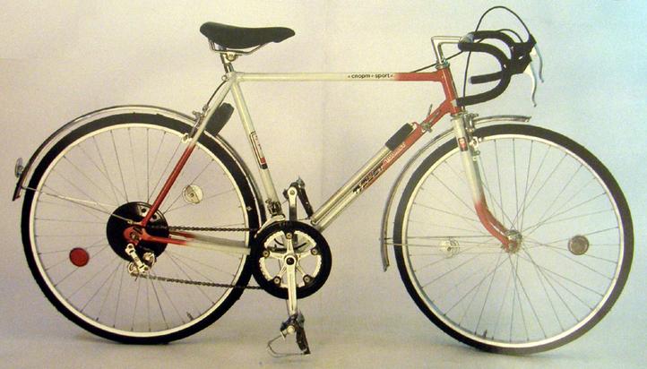 Это спортивно – туристический велосипед Турист 153-452