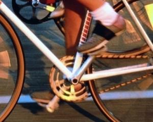 Интонация, стимулируя на велосипеде